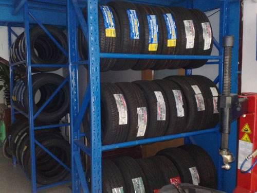 4S店专用轮胎货架