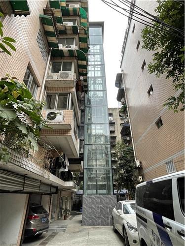 成都旧楼加装电梯案例-白马苑小区