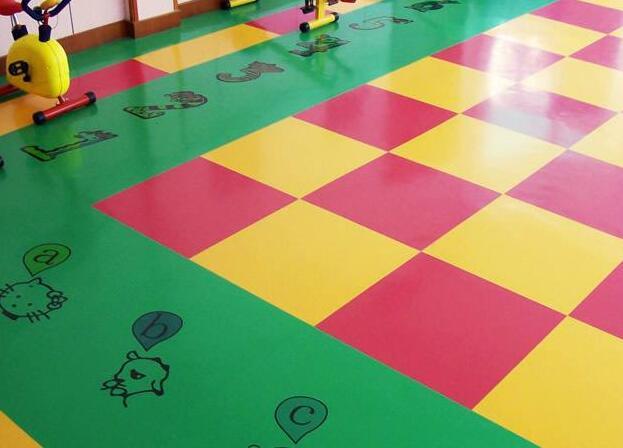 幼儿园使用的塑胶地板要满足什么要求?这3点马虎不得!
