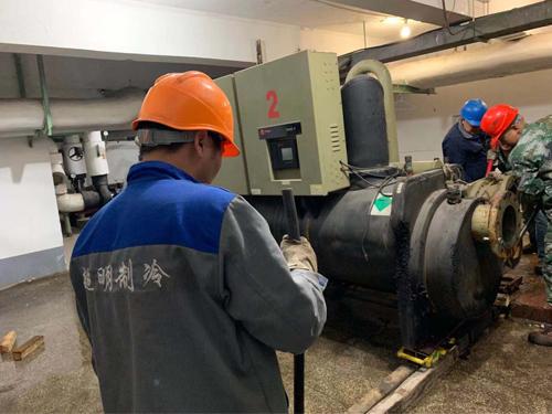 苏州回收溴化锂机组施工现场