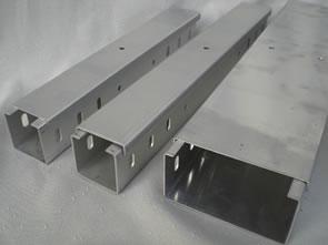 喷塑槽式电缆桥架