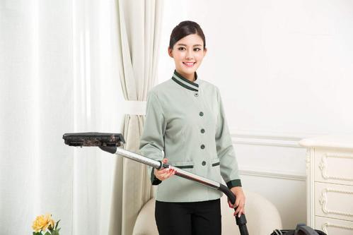 你想做家政工作,选择家庭保姆还是家庭清洁更好?