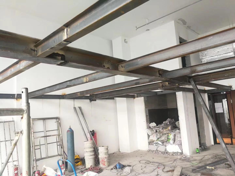 听鄂尔多斯钢结构厂家来给您讲钢结构主要缺点及防范措施