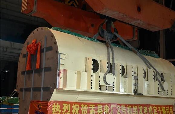 盂县电厂百万千瓦发电项目输煤栈桥钢结构开始吊装
