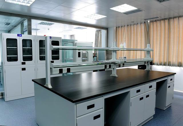 实验台具备哪些条件才符合现代实验室装修建设要求