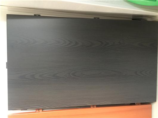 万博彩票app仿木纹铝板
