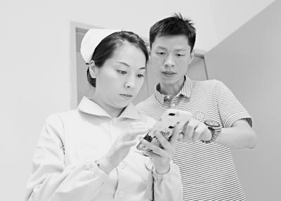 """""""视频救人夫妻""""登上央视新闻 网友:.强夫妻档!"""