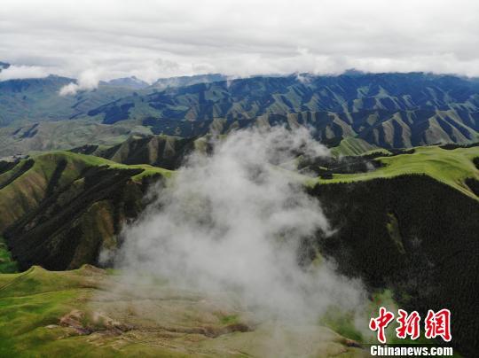 图为甘肃肃南祁连山区。(资料图) 杨艳敏 摄