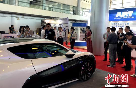 2019汽车轻量化大会开幕 中外专家研讨汽车轻量化技术发展
