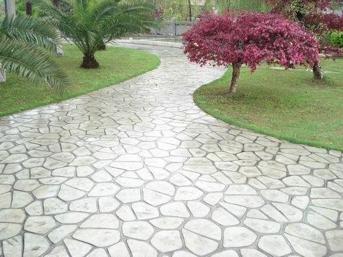 成都压模地坪与传统铺砖地面的区别在哪?