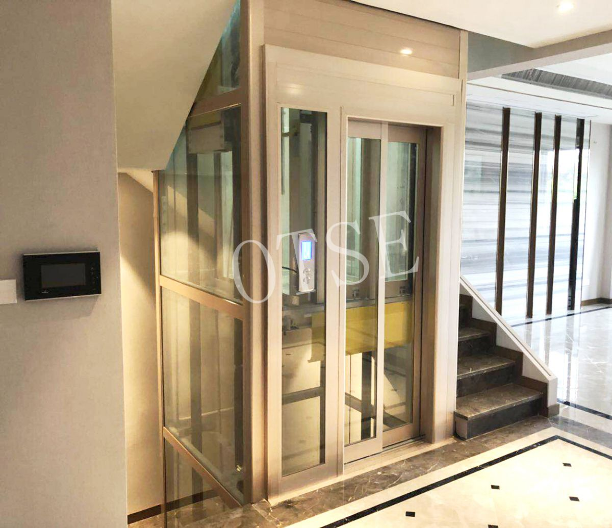 当家用电梯发生故障的时候,不要慌张不要害怕这些方法可以让人脱离险境