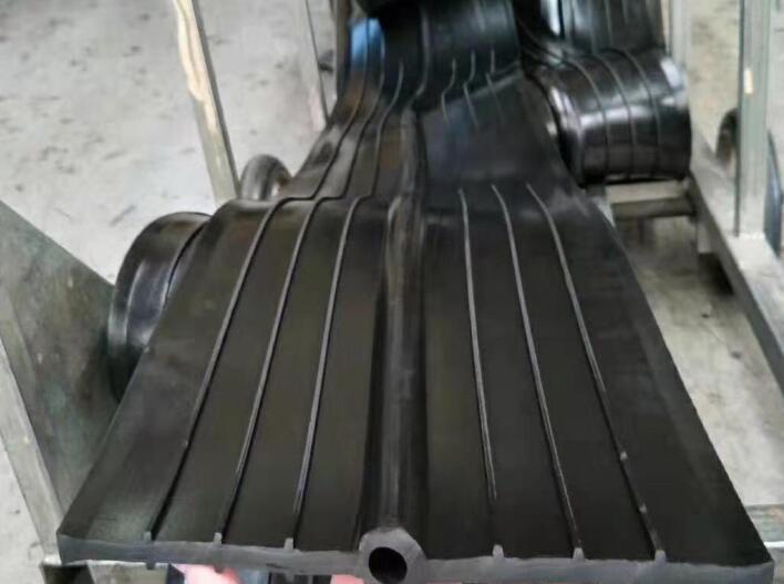 成都泥浆管厂家告诉你橡胶止水带选择要考虑这些因素
