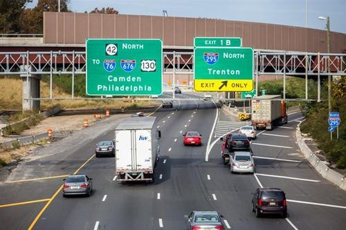 交通部再次回应高速收费热点问题:绝不允许借机违规涨价