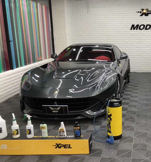 法拉利  F12