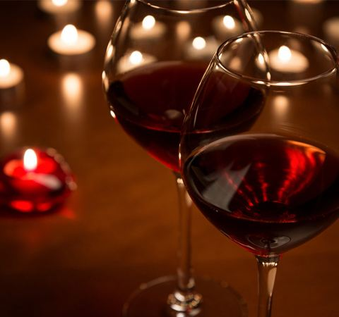 晚饭喝红酒,可以大量排出致癌物质