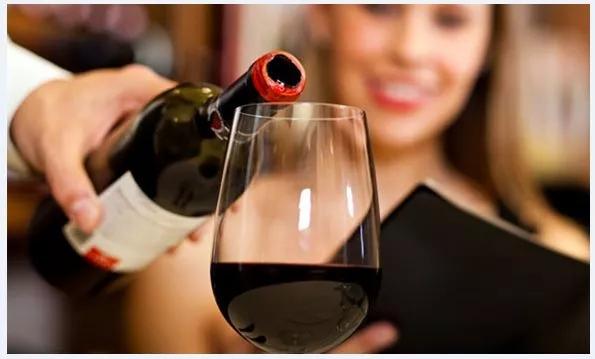葡萄酒有多种年份,年份不同代表也就不同!