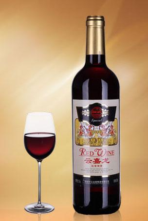 云嘉龙红葡萄酒