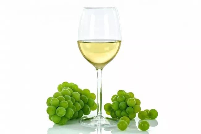 不要在冬天歧视干白葡萄酒,看完这篇你会有意外不到的收获!