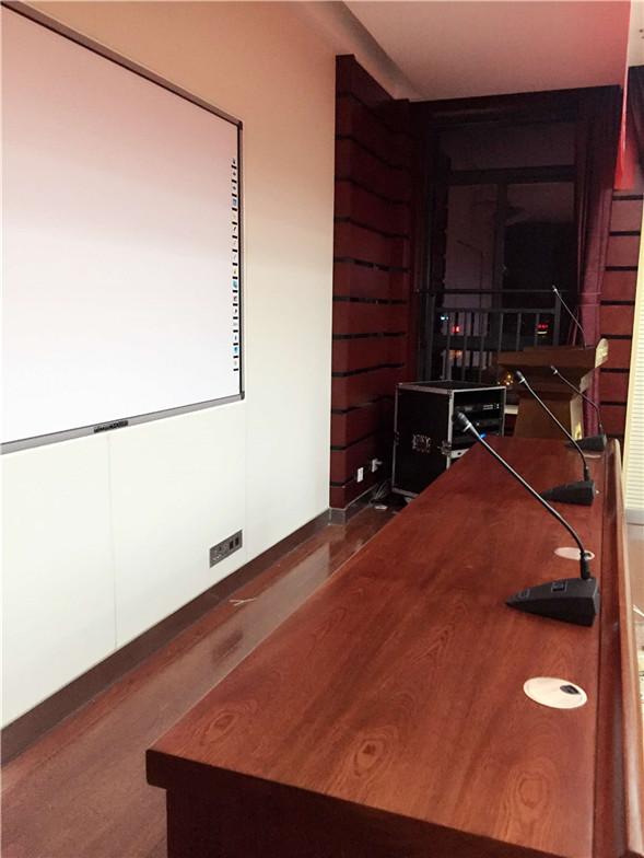 貴州哈曼皇冠專業舞臺搭建會議室會議系統麥克風出售安裝