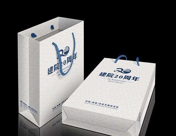 作为宜昌市场上发展迅速的印刷品中之一,手提袋印刷已经逐渐成为了一种热销产品
