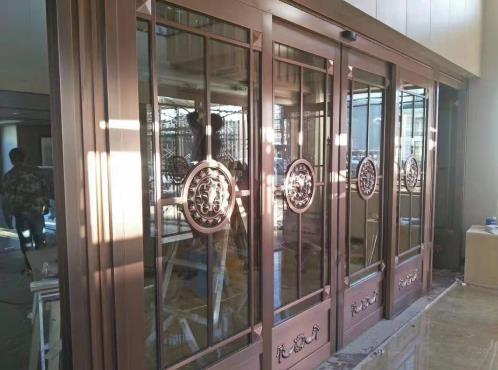 铜门安装现场展示
