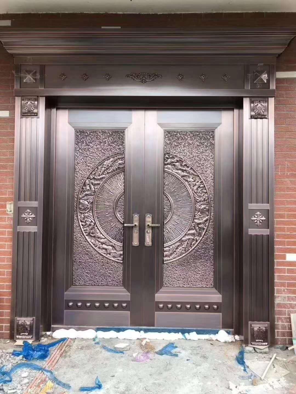 各种各样的铜门