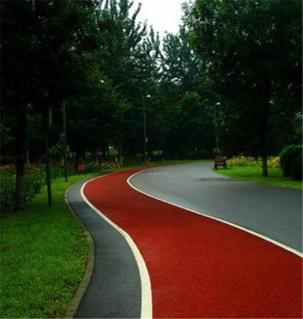 在公园里做一条运动步道要多少钱
