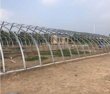 河南智能温室厂家在黄河滩施工案例