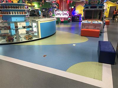 嘻宝贝儿童游乐场塑胶地板安装案例