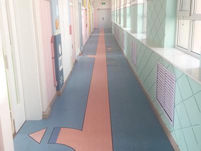PVC塑胶运动地板比实木运动地板更适合做运动场地