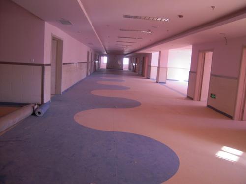 石塑地板和pvc塑胶地板的应用场所分析,真立信带您涨知识