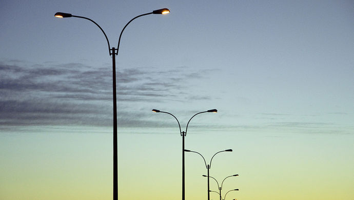 你是否也曾产生疑问,路灯的开关在哪呢?