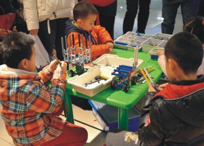 开展创新教育的重要方法---机器人培训