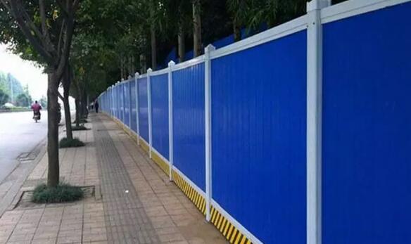 2米高彩钢板围挡价格多少钱?