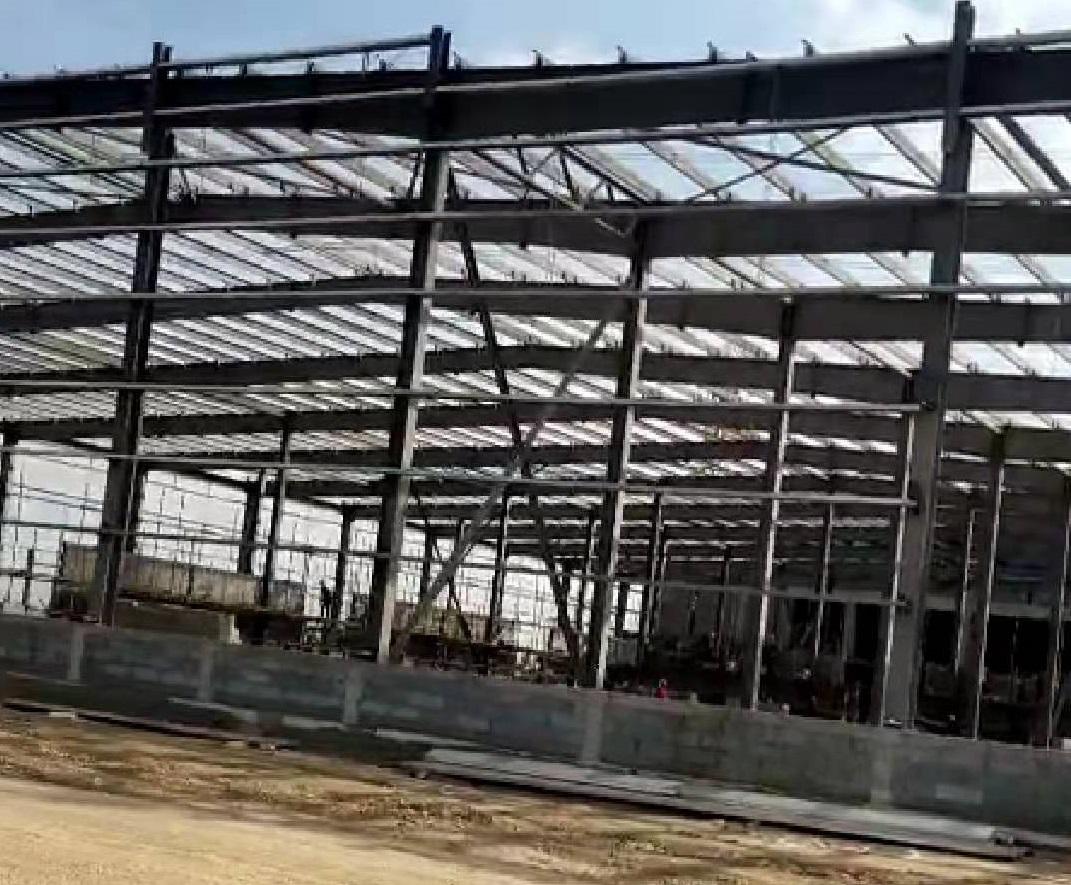 内蒙古华腾钢结构奶粉车间工程