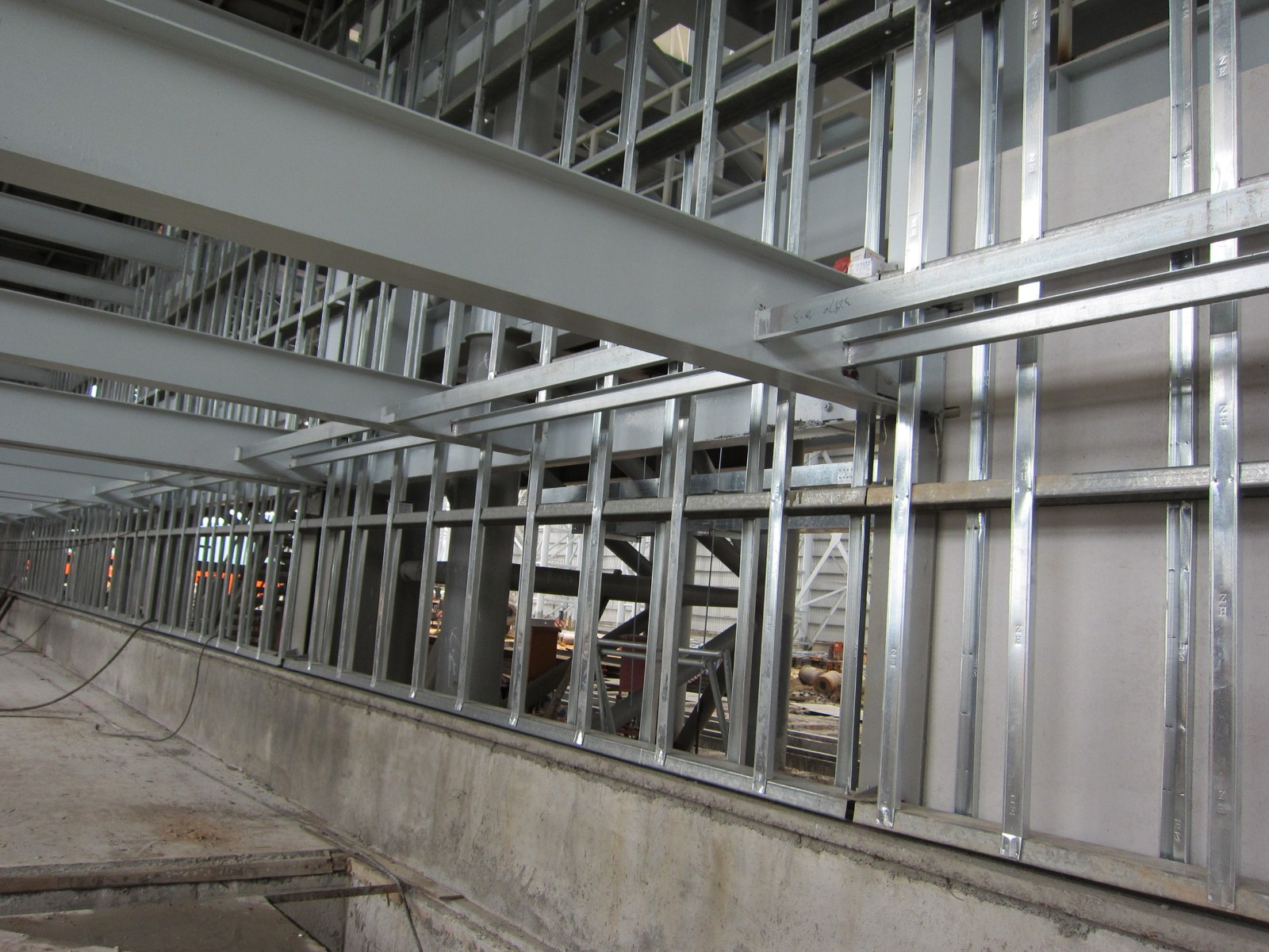 影响钢结构稳定的因素有哪些?