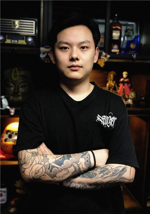 纹身师田浩