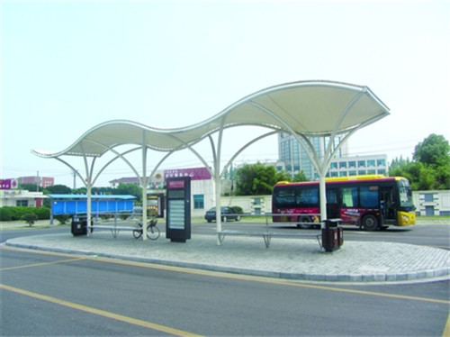 公交站膜结构安装