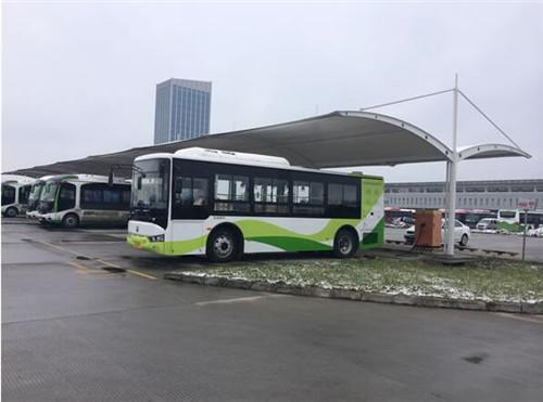 公交站膜结构