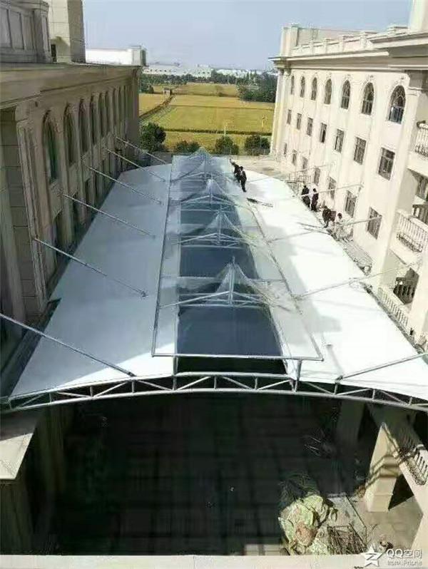 商业设施膜结构安装