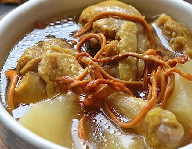 老鸭汤.鲜美的10种做法,清香养胃还不腻,一连喝3碗都不够!