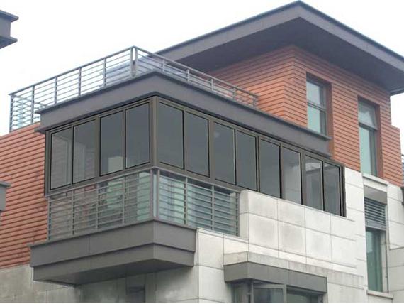 居住的小区进行成都封阳台应该注意哪些问题?