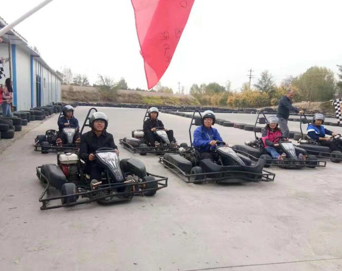 宁夏拓展项目-赛车游戏