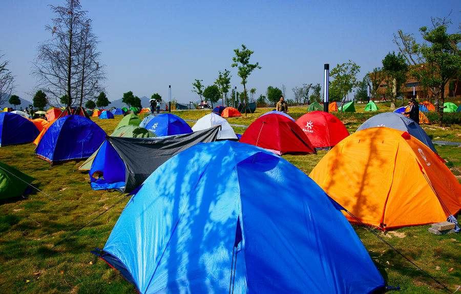 户外拓展训练时间的选择及过程中帐篷的维护保养知识