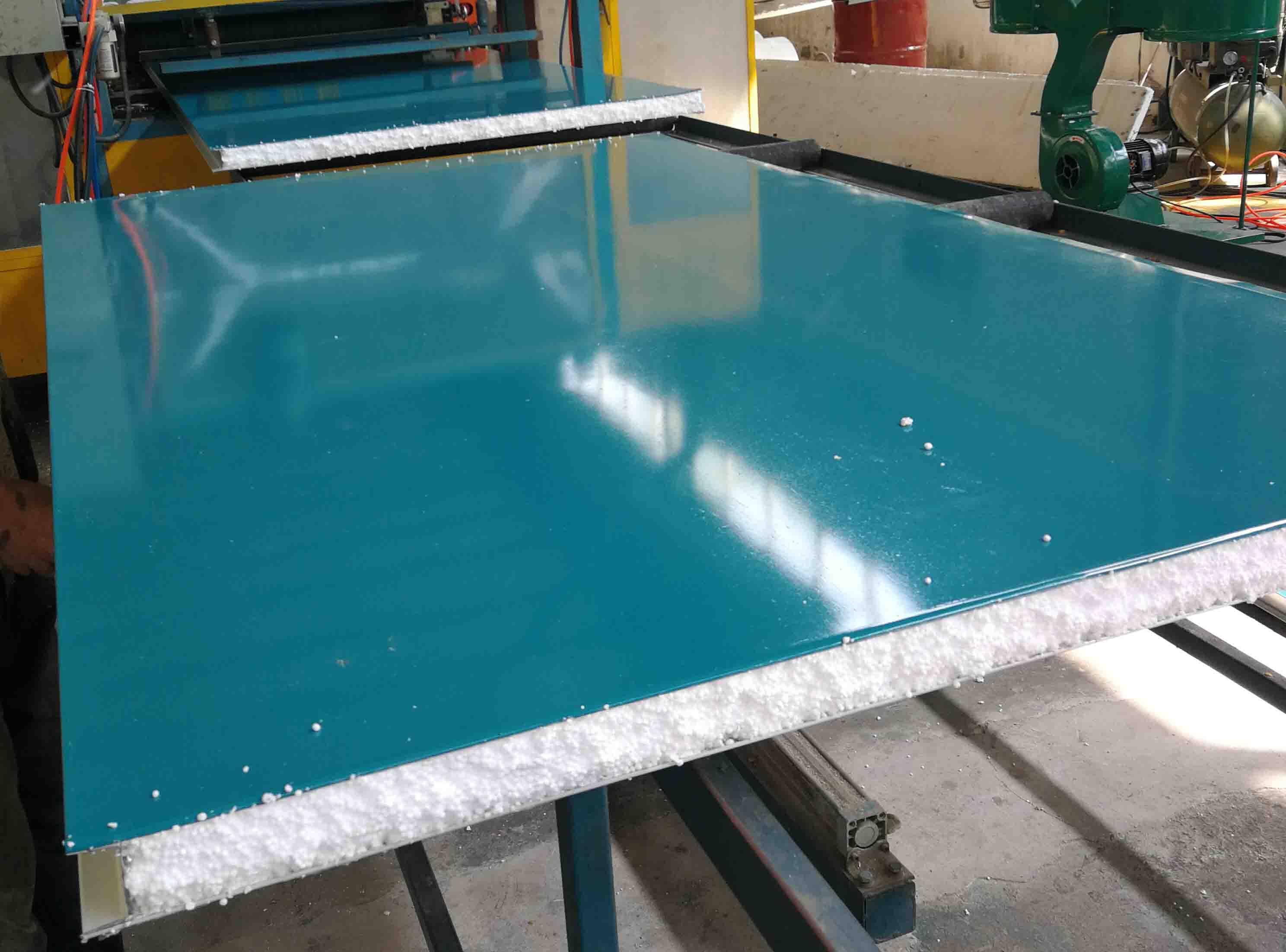 成都彩钢板的优点知多少,全在盛宏净化企业网