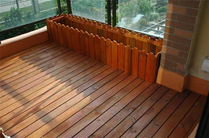 户外如何铺成都防腐木地板?请看这里