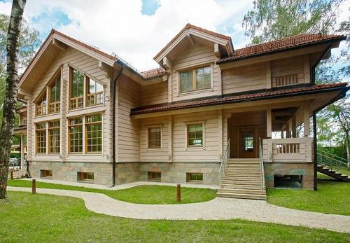 夏季将近,防腐木屋别墅让您修身养性
