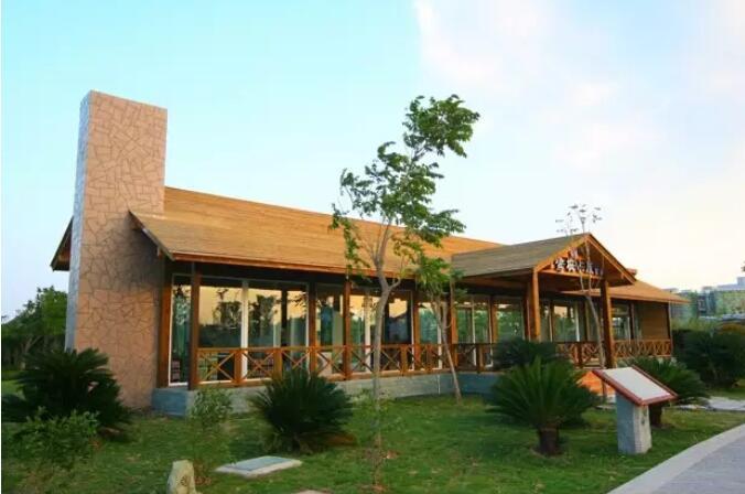 成都木屋别墅为什么要选择防腐木?