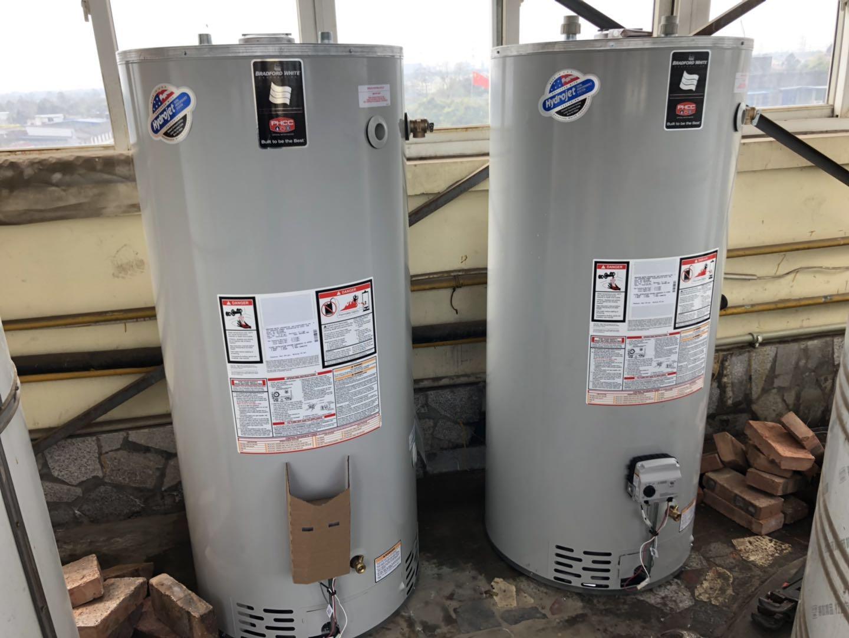 成都空气能热水器-全原装进口燃气大炮弹热水器案例