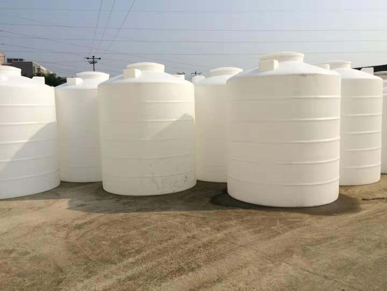 原来还有这么大型的成都塑料水箱呀,真涨见识了